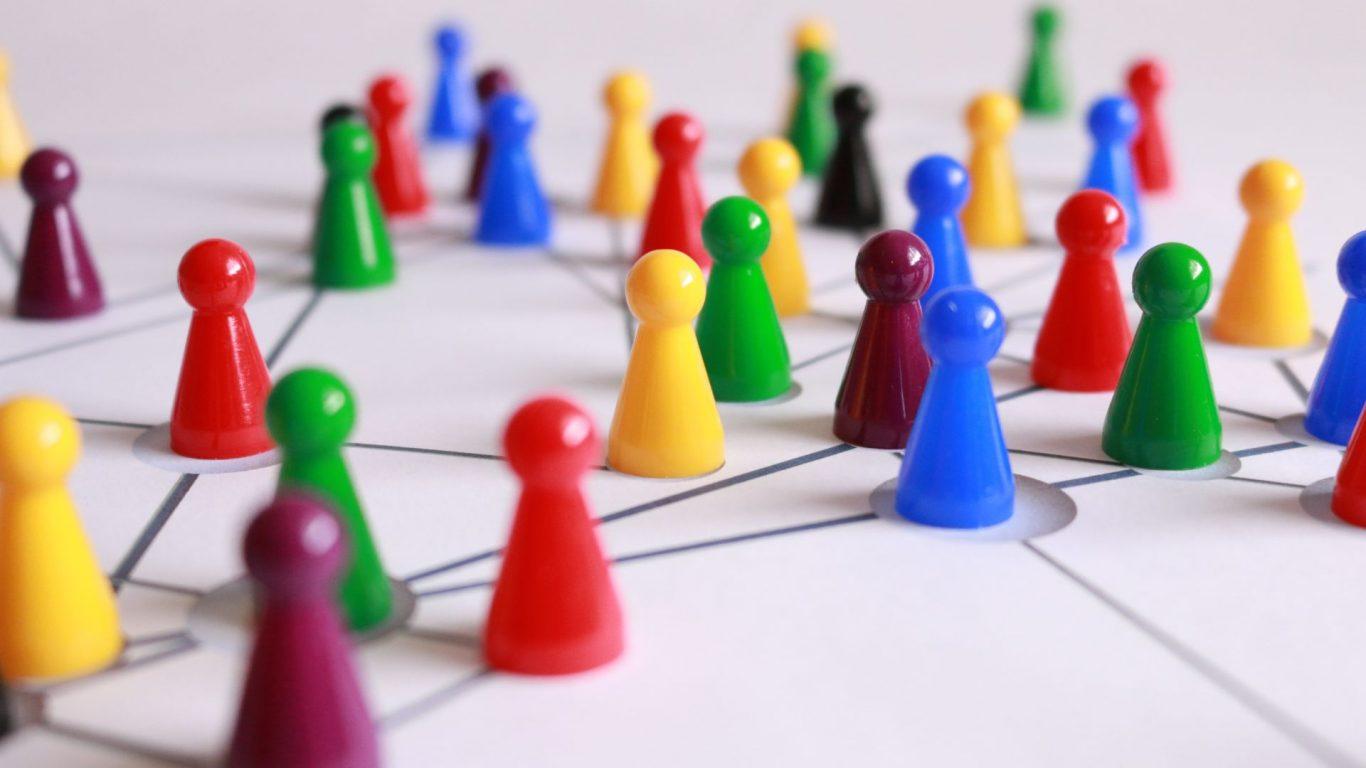 We love Salo teksti ja räsymatto maalattuna asvalttiiin Salon torilla esiintymislavan edessä