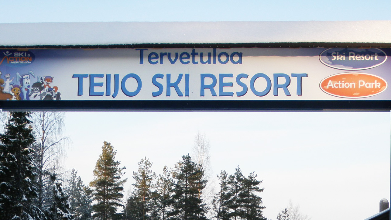 Teijo Ski & Action Parkin sisääntuloportin kyltti